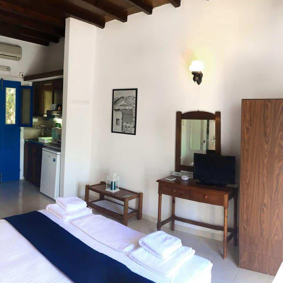 Loukia's Cycladic studio - Interior view