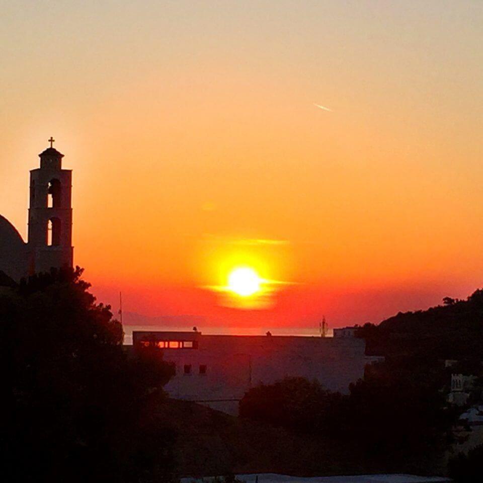 Loukia Studios & Suites - Kini's sunset view from balcony