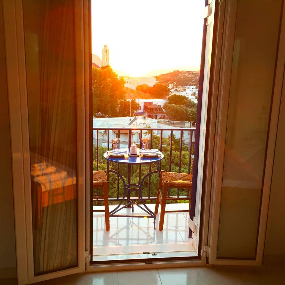 Loukia Studios & Suites - Kini's sunset view from balcony