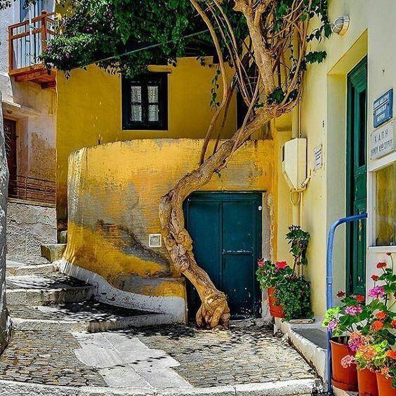 Loukia Studios and Suites Kini Syros - ano syros street